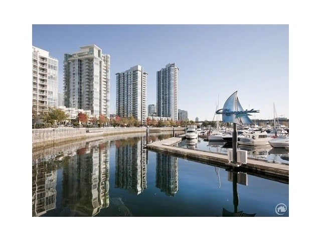 QUAYWEST II   --   1067 MARINASIDE CR - Vancouver West/Yaletown #1