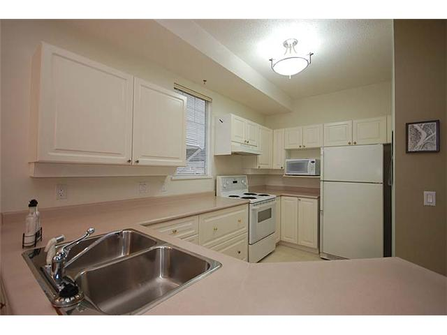 # 23 7501 CUMBERLAND ST - The Crest Townhouse for sale, 4 Bedrooms (V986825) #5