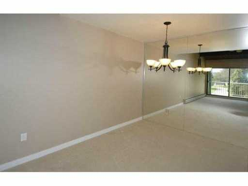 # 301 3901 CARRIGAN CT - Government Road Apartment/Condo for sale, 2 Bedrooms (V993954) #4